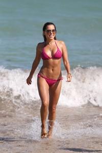 Sylvie-Meis-in-Pink-Bikini-2018--18-662x993.jpg