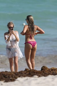 Sylvie-Meis-in-Pink-Bikini-2018--23-662x993.jpg