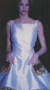 atelier_versace_spring_1992_15.thumb.jpg.809fe3e61a4d622017295df55f41a46b.jpg
