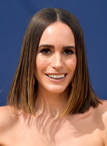 Louise+Roe+70th+Emmy+Awards+Arrivals+nG7cCEM369fx.jpg