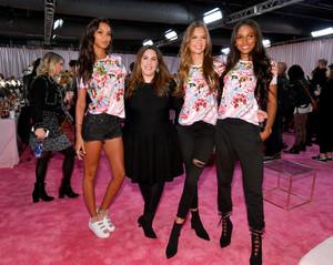 Jasmine+Tookes+2018+Victoria+Secret+Fashion+cpURB_BgkDKx.jpg