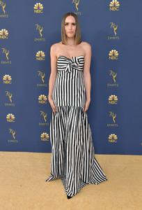 Louise+Roe+70th+Emmy+Awards+Arrivals+Ge0Whm5qa8Bx.jpg