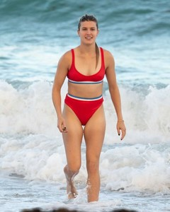 Eugenie-Bouchard-in-Red-Bikini-2018--08-662x827.jpg
