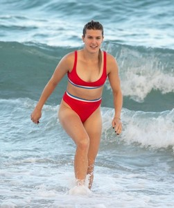 Eugenie-Bouchard-in-Red-Bikini-2018--12-662x790.jpg