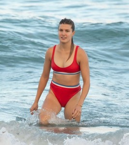 Eugenie-Bouchard-in-Red-Bikini-2018--33-662x742.jpg