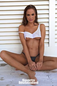Haley-Kalil-Sports-Illustrated-Swimsuit-Issue-Photoshoot-2018-07.jpg