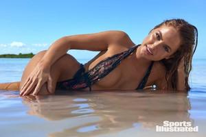Haley-Kalil-Sports-Illustrated-Swimsuit-Issue-Photoshoot-2018-10.jpg