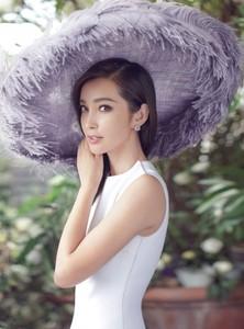Harpers-Bazaar-China-Li-Bingbing-Chen-Man-2-759x1024.jpg