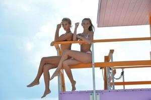 Selena-Weber-and-Lauren-Ashley-in-Bikini-2017--54-662x441.jpg