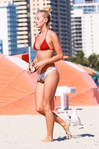 Selena-Weber-in-Bikini--02-662x993.jpg