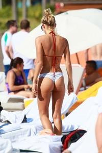 Selena-Weber-in-Bikini--09-662x993.jpg