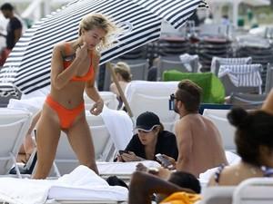 Selena-Weber-in-Bikini-2017--01-662x498.jpg