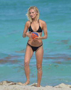 Selena-Weber-in-Black-Bikini--03-662x829.jpg