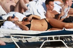 Selena-Weber-in-Black-Bikini--11-662x441.jpg