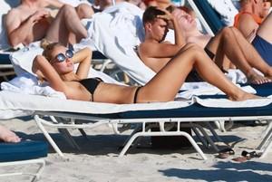 Selena-Weber-in-Black-Bikini--13-662x444.jpg