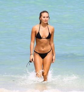 Selena-Weber-in-Black-Bikini-2017--31-662x716.jpg