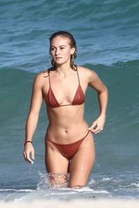 Selena-Weber-in-Red-Bikini-2018--08-662x993.jpg