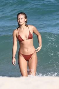 Selena-Weber-in-Red-Bikini-2018--13-662x993.jpg
