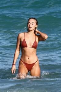 Selena-Weber-in-Red-Bikini-2018--17-662x993.jpg