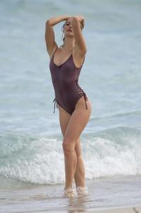 Selena-Weber-in-Swimsuit-2017--08-662x995.jpg