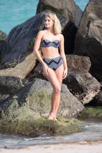 Selena-Weber_-Bikini-Photoshoot-2016--03-662x993.jpg