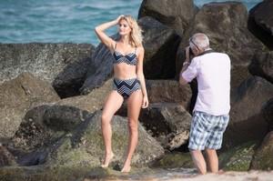 Selena-Weber_-Bikini-Photoshoot-2016--66-662x441.jpg
