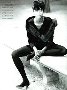 Frange_Demarchelier_Vogue_Italia_November_1989_05.thumb.png.3942a2cca81ca540cfedef7f7acbf4f8.png