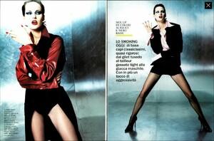 POB_Vogue_Italia_September_1994_01.thumb.jpg.abe8b71d34592a3e1c46892bef5b3caa.jpg