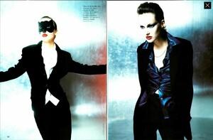 POB_Vogue_Italia_September_1994_02.thumb.jpg.3d328c36b38a18ea2b6de7ef884e8a12.jpg