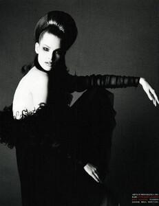Saikusa_Vogue_Italia_December_1993_01.thumb.jpg.3950b226b8e7859d01b5fe77e6173d5e.jpg