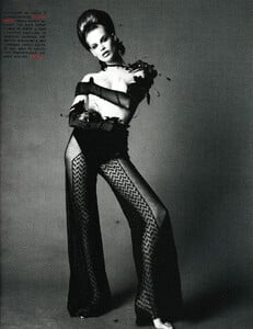Saikusa_Vogue_Italia_December_1993_04.thumb.jpg.b70022b2aeb2a5a5b830e34dc2596421.jpg