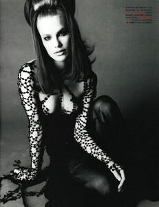 Saikusa_Vogue_Italia_December_1993_06.thumb.jpg.2265d92a069141a2001f12460b552c4d.jpg