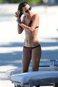 Stephanie-Pratt-and-Lucy-Watson-in-Bikini--01-662x993.jpg