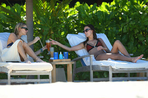 Stephanie-Pratt-and-Lucy-Watson-in-Bikini--55.jpg