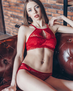 lingerie_khv_30884523_1574907685951758_4652477354357030912_n.jpg