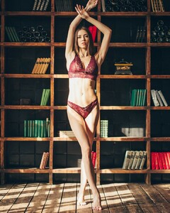 lingerie_khv_43539903_1921370411276204_2664146346169019141_n.jpg
