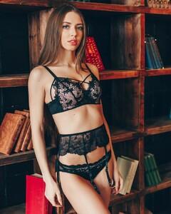 lingerie_vladivostok_47583383_275809999790076_6878786305769162019_n.jpg