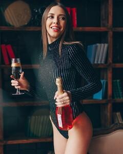 lingerie_vladivostok_47691497_517421655420690_2161218370124509777_n.jpg