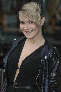 melissa-suffield-national-lottery-awards-2010-04-sep-2010-hq-x4.jpg