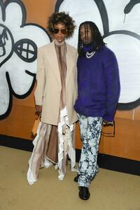 Naomi+Campbell+Louis+Vuitton+Front+Row+Paris+wQfucDJP4rAx.jpg