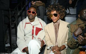 8653826-6603137-Moving_on_Naomi_was_joined_on_the_front_row_by_her_former_boyfri-a-87_1547750418312.jpg