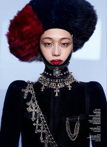 Burbridge_V_Magazine_Fall_2018_09.thumb.png.1a8d75213e5217e1a916f113068c53c6.png