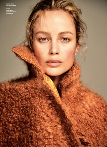 Colls_V_Magazine_Fall_2018_06.thumb.png.46d0f8a47d210e5ea31c6e399b536530.png