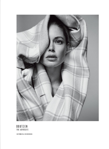 Colls_V_Magazine_Fall_2018_16.thumb.png.72b43026083c7fd9c5a9a508a47f070a.png