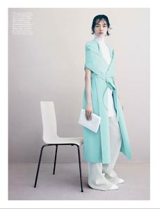 Demarchelier_W_Magazine_November_2013_03.thumb.png.18566c7879a062d6db4e9ae51fa5c37b.png