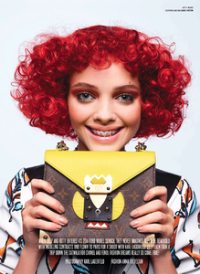 Lagerfeld_V_Magazine_Winter_2014_02.thumb.png.38267d66d6c7bc4035bee5f830a61c13.png