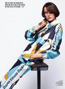 Lagerfeld_V_Magazine_Winter_2014_06.thumb.png.b05ca0aada2986d3b29e7c7bf102e63b.png