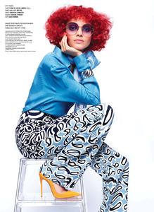 Lagerfeld_V_Magazine_Winter_2014_07.thumb.png.93f0ef8e917480f8c6037ea56e1109bd.png