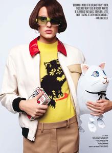 Lagerfeld_V_Magazine_Winter_2014_08.thumb.png.678cd8dc6d787e34f160be05f4cf0193.png