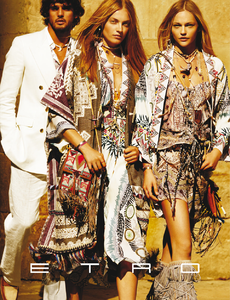 Testino_Etro_Spring_Summer_2015_03.thumb.png.d813c9071c94d2bed8730d210efc2dd2.png